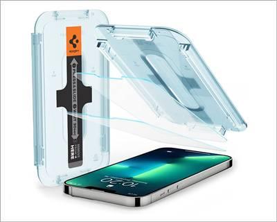 Spigen Tempered Glass Screen Protector iPhone 13